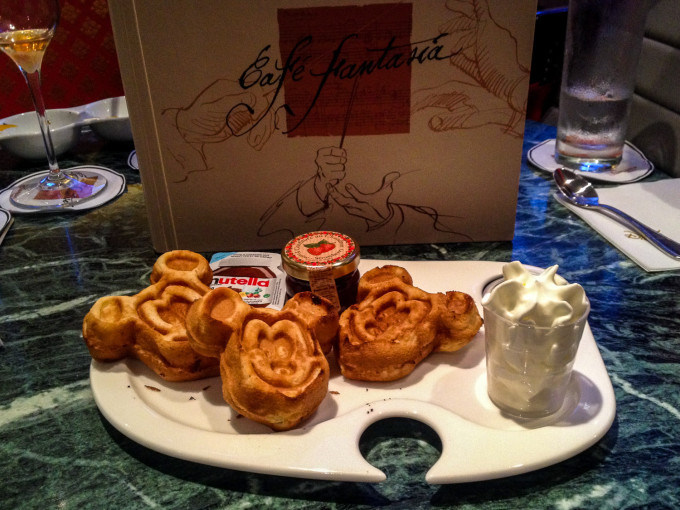 Cafe Fantasia Mickey Waffles in Disneyland Paris Hotel