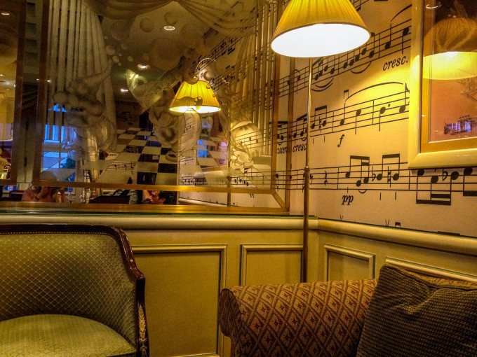 Cafe Fantasia Corner Seating in Disneyland Paris Hotel