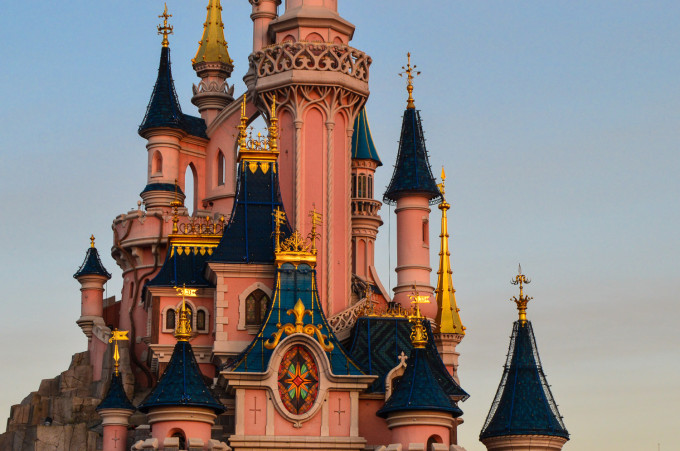 disneyland_paris_castle_turrets