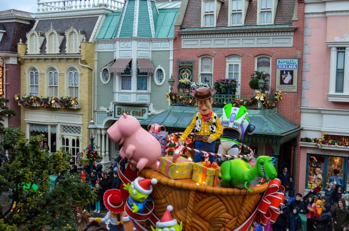 Woody and Buzz in Disneyland Paris Christmas Parade