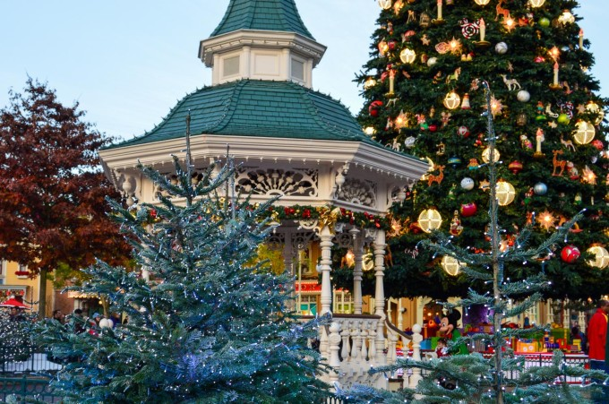 Disneyland Paris Town Square Christmas Tree and Gazebo