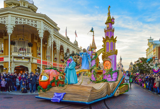 disneyland_paris_disney_magic_on_parade