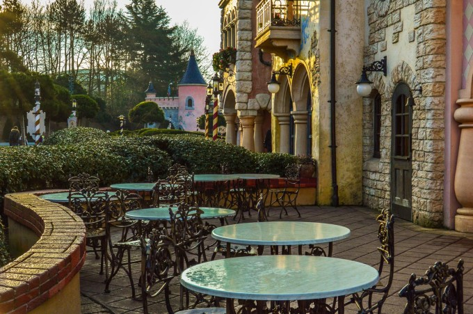 disneyland_paris_fantasia_gelati_outdoor_seating1