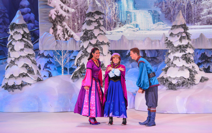disneyland_paris_frozen_sing_along11