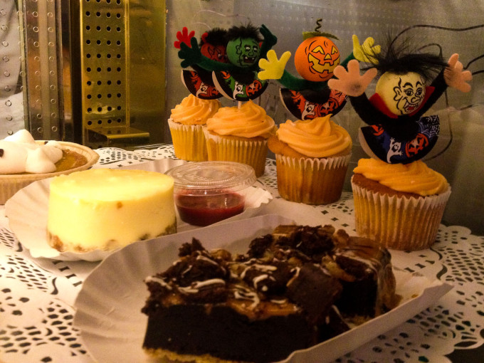 Cable Car Bake Shop Halloween Cupcakes