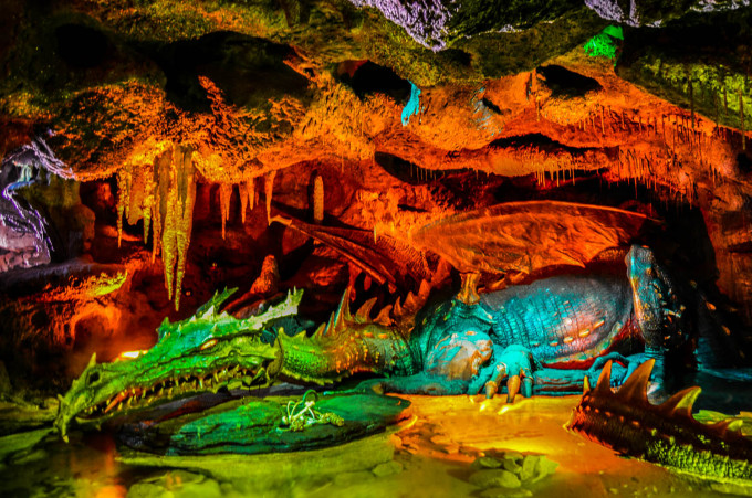 disneyland_paris_la_taniere_du_dragon2