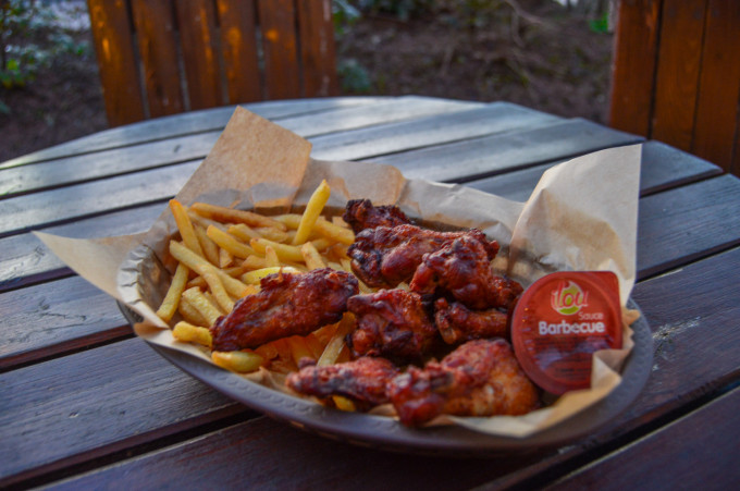 Last Chance Cafe BBQ Wings Disneyland Paris