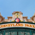disneyland_paris_main_gate_entrance1