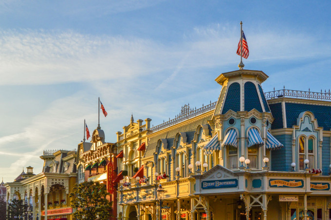 disneyland_paris_main_street_usa_sunrise1