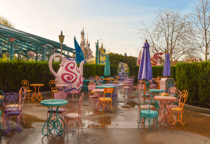 March Hare Refreshments Disneyland Paris Tables