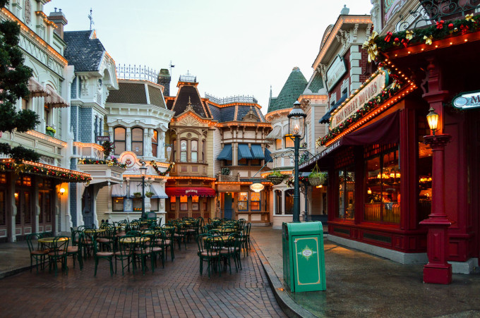 disneyland_paris_market_house_deli_outdoor_seating
