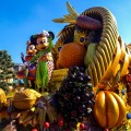 disneyland_paris_mickeys_halloween_celebration_parade_mickey_minnie_float10