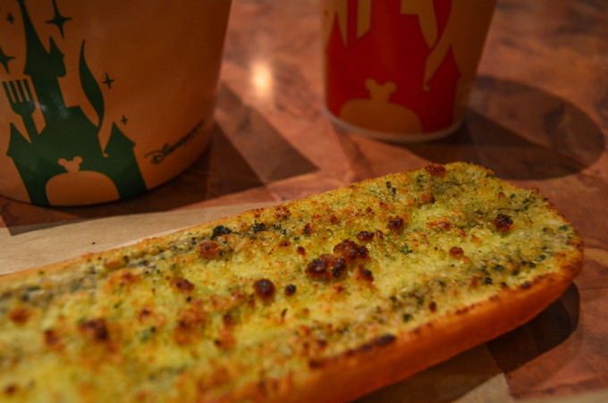 Pizzeria Bella Notte Disneyland Paris Garlic Bread
