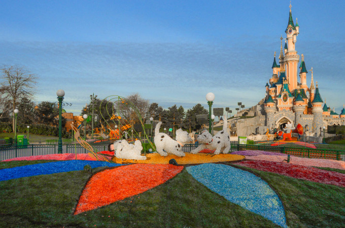 Disneyland Paris Swing into Spring 2015 Topiary