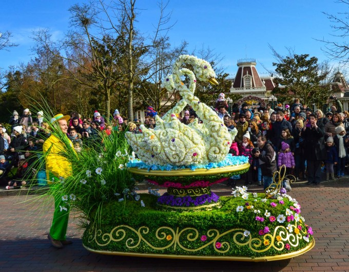 Goofy's Garden Party Parade Disneyland paris