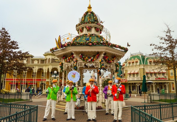 Jolly Holiday Band Disneyland Paris