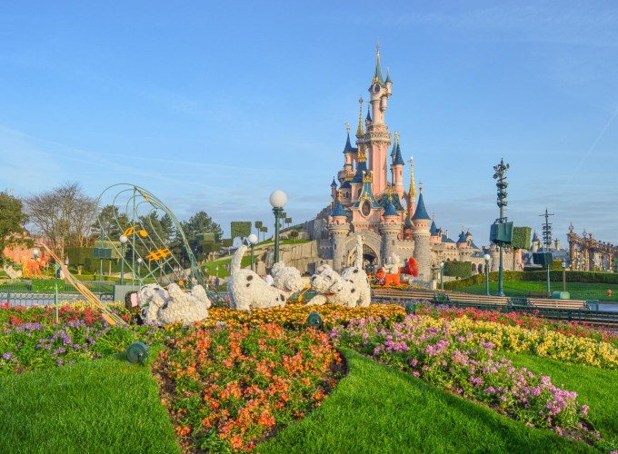 disneyland_paris_swing_into_spring_topiary_hub3