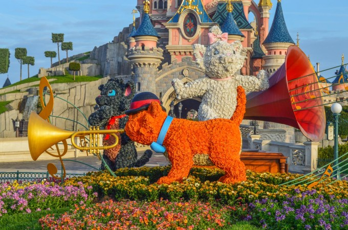 disneyland_paris_swing_into_spring_topiary_hub4
