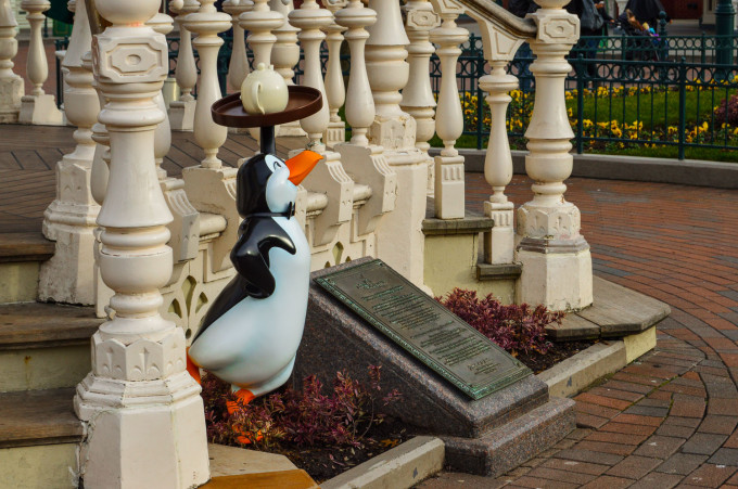 Disneyland Paris Mary Poppins Penguin