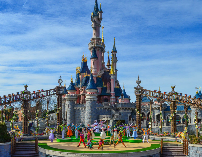 Welcome to Spring Show Disneyland Paris Stage