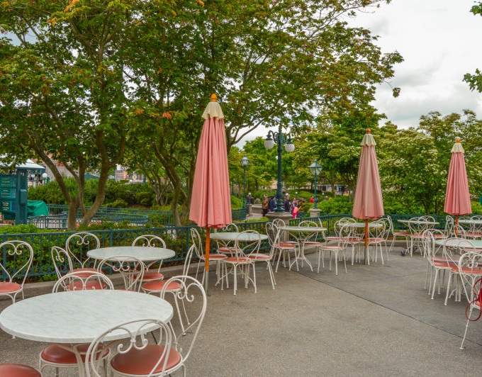 Disneyland Paris Victoria's Outdoor Seating