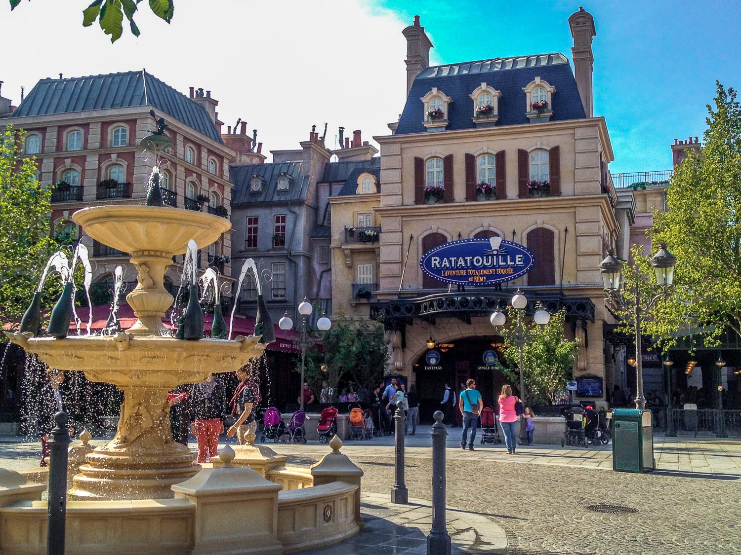 La Place de Rémy Ratatouille Ride Disneyland Paris