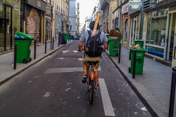 Live in Paris Riding Vélib with Baguette